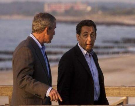 http://a10.idata.over-blog.com/0/06/68/87/Nicolas-Sarkozy-fait-la-grimace-a-Bush.jpg
